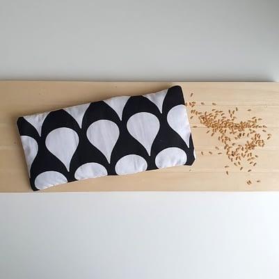 Bouillotte sèche au lin bio avec housse motif bulle
